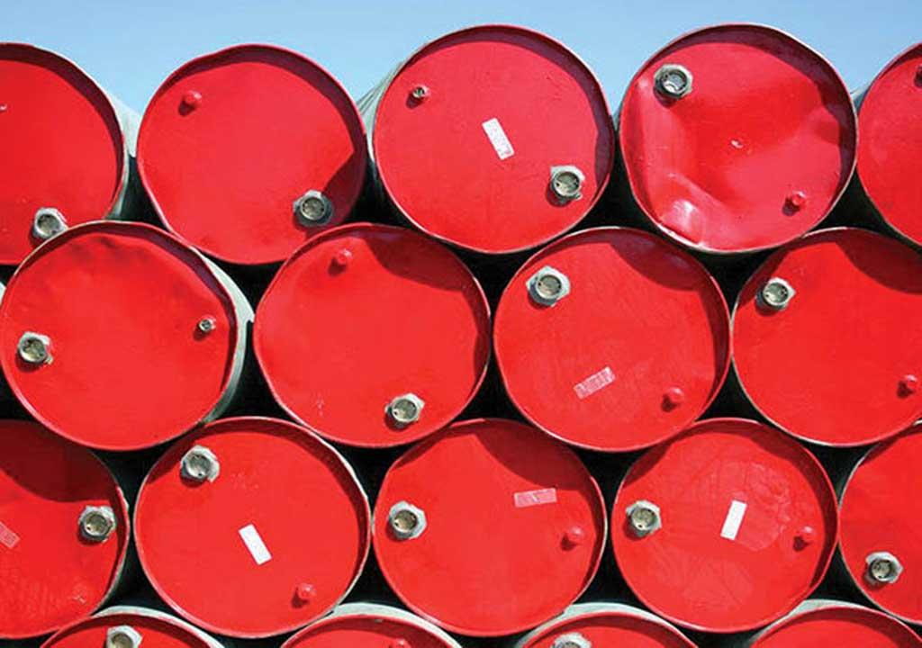 تهدید عرضه مازاد نفت در بازارهای جهانی
