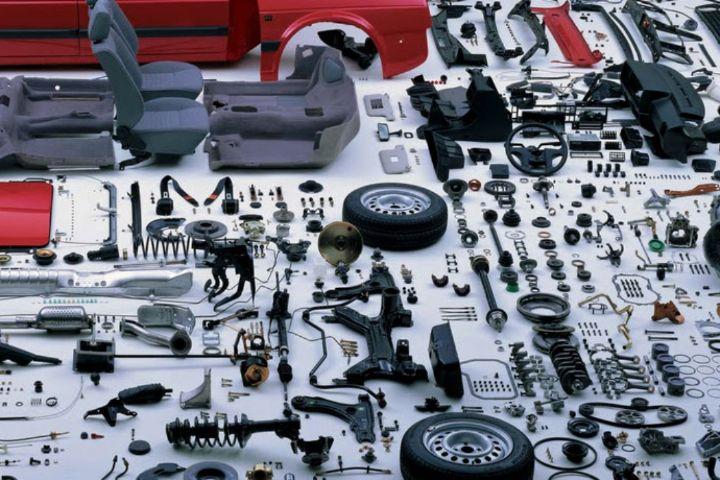 تولیدکنندگان داخلی نمیتوانند مواد اولیه قطعهسازان را تامین کنند