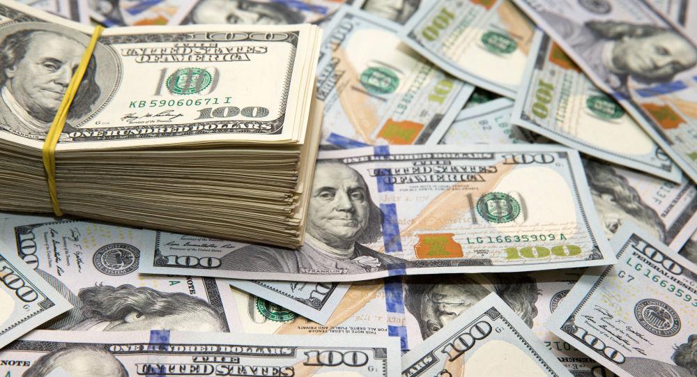 قیمت دلار ۱۱۷۰۰ تومان باقی ماند