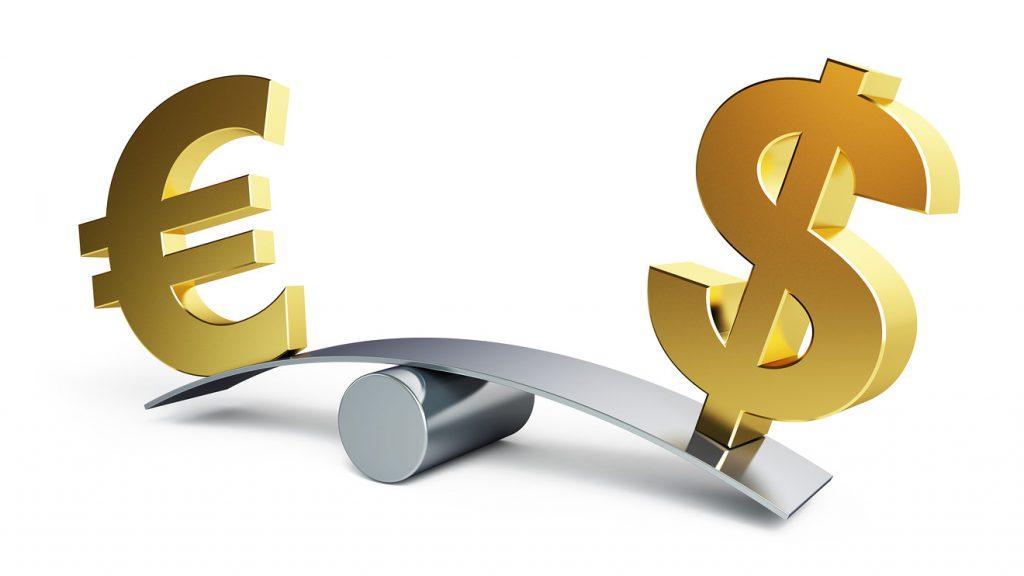 عوامل سیاسی دلیل گرانی در بازار ارز / قیمت واقعی دلار ۱۶ تا ۲۳ هزار تومان است