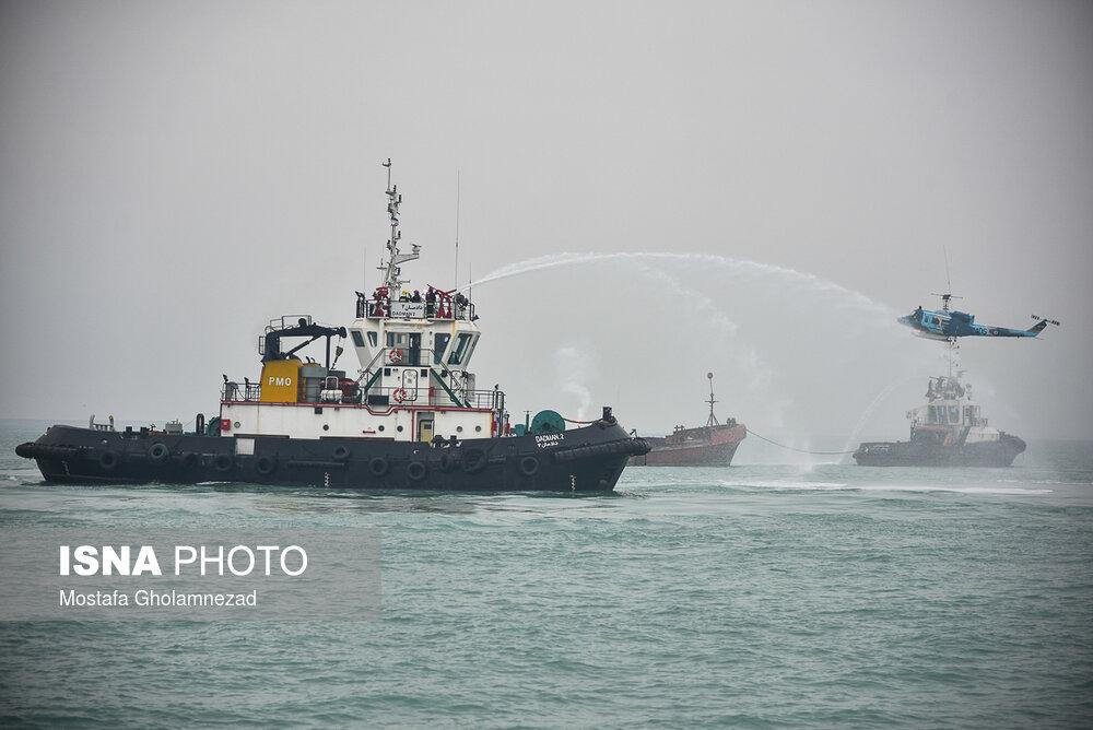 مانور مقابله با شرایط اضطرار دریایی در بندر امام خمینی (ره)
