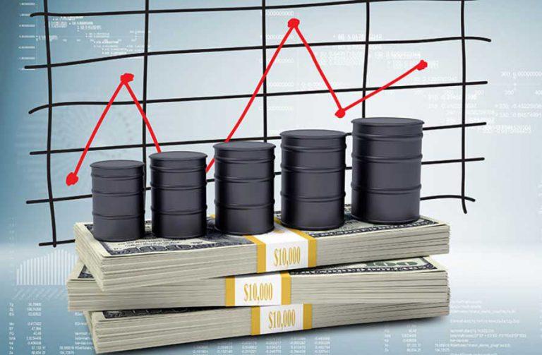عرضه بیش از تقاضای نفت به بازار در سال ۲۰۲۰